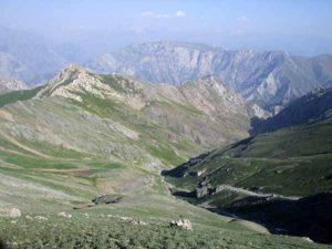 Долина реки Чолмироб. Приток Караарчи - сая.