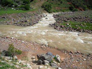 Место впадения Нурекаты в Аксакату.